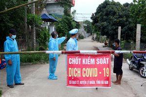 Để dịch COVID-19 lây lan, một Chủ tịch xã và nhiều cán bộ ở Hà Nam bị kỷ luật
