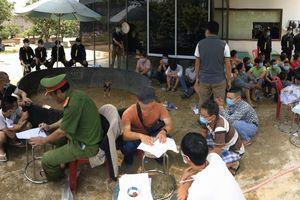 Bắt 47 đối tượng đá gà ăn tiền tại thành phố Huế