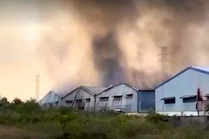 Thừa Thiên - Huế: Đang cháy lớn tại công ty dệt trong khu công nghiệp Phú Bài