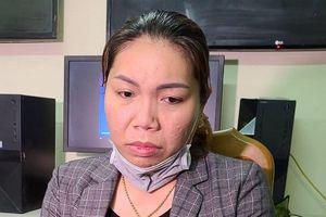 Nữ nhân viên massage trộm thẻ Visa của khách