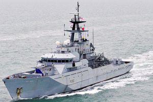 Anh điều tàu chiến ra đảo sau tranh cãi với Pháp về quyền đánh cá