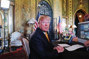 Một cơn bão đang đến 'từ bàn làm việc của Donald J. Trump'