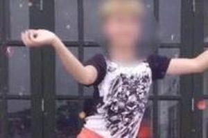 TikToker xúc phạm Quốc kỳ bị phạt hành chính