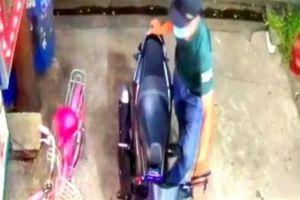 Bác sĩ bị trộm xe đâm tử vong: Tiếng khóc con trẻ