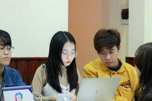 Giúp người trẻ làm chủ công nghệ