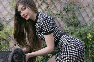 Nhan sắc quyến rũ, vòng ba 'khủng' của game thủ xinh nhất nước Nga