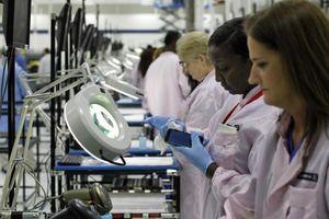 Nhân lực ngành sản xuất thiếu hụt, kinh tế Mỹ có thể bị 'cuốn trôi' 1.000 tỷ USD