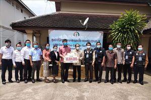 Cộng đồng người Việt chung tay cùng chính quyền Luangprabang phòng chống dịch