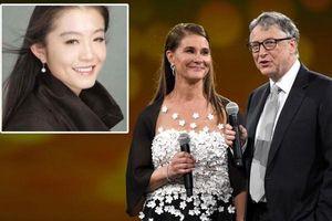 Nữ phiên dịch xinh đẹp lên tiếng khi bị đồn là 'người thứ ba' khiến vợ chồng Bill Gates ly hôn