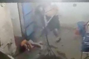 Thông tin mới nhất vụ 'bé trai bị cha đánh nát tay' ở Hóc Môn