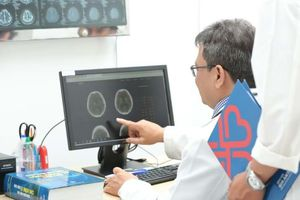 Bị đột quỵ đã 8 tiếng vẫn được cứu sống thần kỳ nhờ phần mềm trí tuệ nhân tạo RAPID