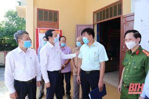 Chủ tịch UBND tỉnh Đỗ Minh Tuấn kiểm tra công tác chuẩn bị bầu cử tại thị xã Nghi Sơn