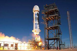 Công ty Blue Origin của tỷ phú Jeff Bezos bắt đầu bán đấu giá vé du lịch vũ trụ