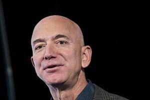 Jeff Bezos bán gần 2 tỷ USD cổ phiếu Amazon