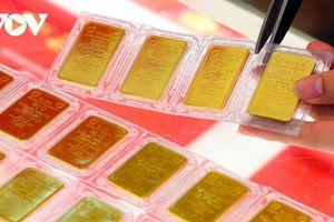 Giá vàng thế giới thấp hơn vàng trong nước 6 triệu đồng/lượng