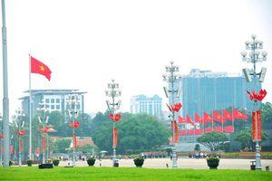 Hà Nội: Trang hoàng rực rỡ cổ động ngày hội toàn dân đi bầu cử