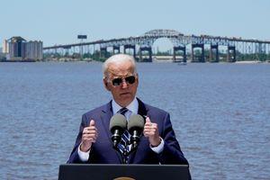 Ông Biden thúc phe Cộng hòa thông qua kế hoạch 2,3 nghìn tỷ USD