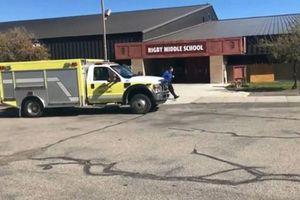 Học sinh lớp 6 bắn ba người ở Mỹ