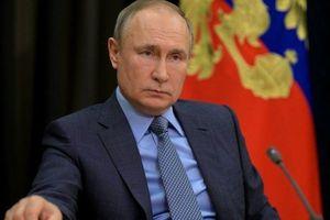 Tổng thống Putin: Vaccine của Nga 'đáng tin như súng trường AK-47'