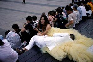 Đàn ông Trung Quốc mong kết hôn, phụ nữ thì không