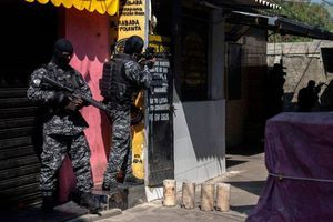 Diễn biến mới vụ đọ súng với băng đảng Brazil làm 25 người chết