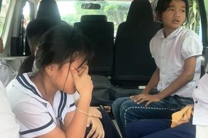 Clip: Nhiều học sinh Phú Yên nhập viện sau khi uống thuốc tẩy giun
