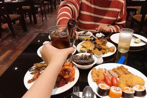 Bộ Y tế đề nghị nhân viên y tế không đi ăn tiệc buffet, hát karaoke, rạp chiếu phim