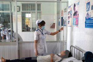 Đắk Lắk: Gần 40 người phải nhập viện nghi do ăn bánh mì