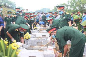 An táng 11 liệt sỹ tại Nghĩa trang liệt sĩ Nầm