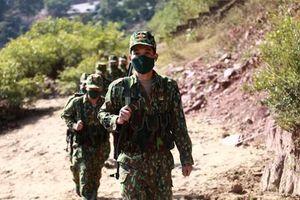 Căng mình chống dịch COVID-19 ở vùng biên: Chiến sỹ trẻ ở tuyến đầu