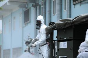 Hình ảnh quân đội khử khuẩn toàn bộ Bệnh viện K cơ sở Tân Triều