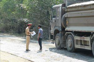 Các tuyến quốc lộ qua Yên Bái bị hư hại nghiêm trọng vì xe Howo chở quá tải