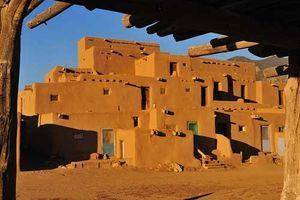 Khám phá nét đặc sắc của khu di tích Taos Pueblo, bang New Mexico, nước Mỹ