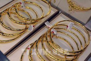 Giá vàng châu Á hướng đến tuần giao dịch tốt nhất trong 6 tháng