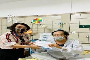 Tin tức showbiz Việt ngày 7/5: Sơn Tùng M-TP khoe xế hộp 'xịn'; Trà My, Quang Tèo kêu gọi giúp đỡ Giang 'còi'