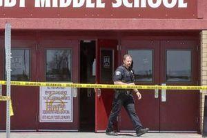 Nữ sinh lớp 6 xả súng ở trường học Mỹ khiến 3 người bị thương, học sinh và phụ huynh hoảng loạn tột độ