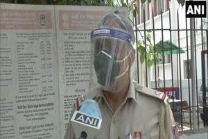 'Người hùng' Ấn Độ giúp hỏa táng hơn 1.100 thi thể