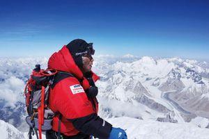 Covid-19 tấn công trại căn cứ trên đỉnh Everest