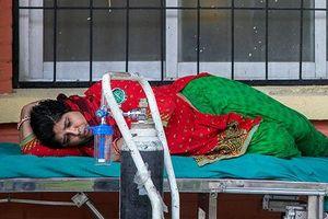 Bác sĩ Nepal cảnh báo nguy cơ bệnh nhân Covid-19 chết trên đường phố