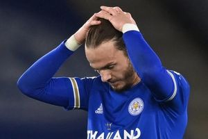Leicester lỡ cơ hội áp sát Man Utd