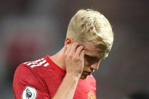 Mourinho muốn giải cứu Van de Beek