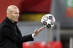 Juventus chọn Zinedine Zidane thay Pirlo