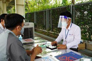 Ngăn dịch ngay từ cổng bệnh viện