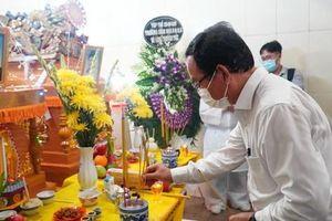 Bí thư Thành ủy TP HCM Nguyễn Văn Nên thăm hỏi gia đình 8 nạn nhân vụ cháy