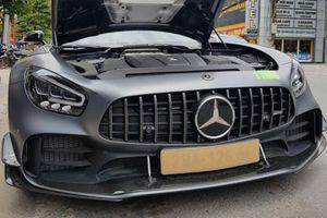 Đại gia Hòa Bình ra biển trắng siêu xe Mercedes-AMG GT R Pro