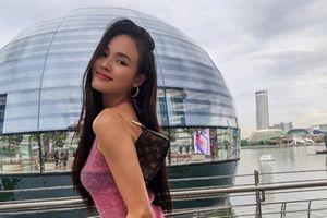 'Hoa hậu' Next Top Việt giữ dáng nuột nà nhờ yoga
