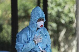 Bác sĩ Ấn Độ báo động làn sóng bệnh nấm đen chết người giữa 'bão' COVID-19
