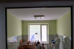 Bảy trong 11 gia đình của Đại sứ quán Việt Nam ở Ukraine mắc COVID-19