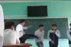 Vụ thầy giáo bắt học sinh xếp hàng ngang để đấm, đá: Có thể xem xét dấu hiệu hình sự?