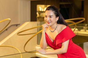 Vợ doanh nhân của MC Bình Minh trẻ trung, sành điệu tuổi 44